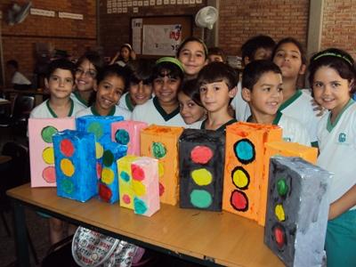 Colegio las colinas proyectos de 1er a 3er grado primaria for Cafetin colegio las colinas